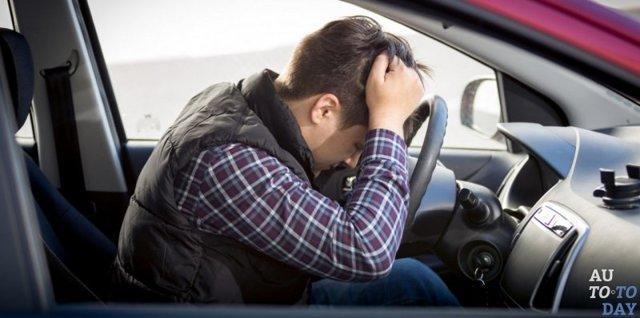 Можно ли взять каршеринг без прав и может ли другой человек находиться за рулём