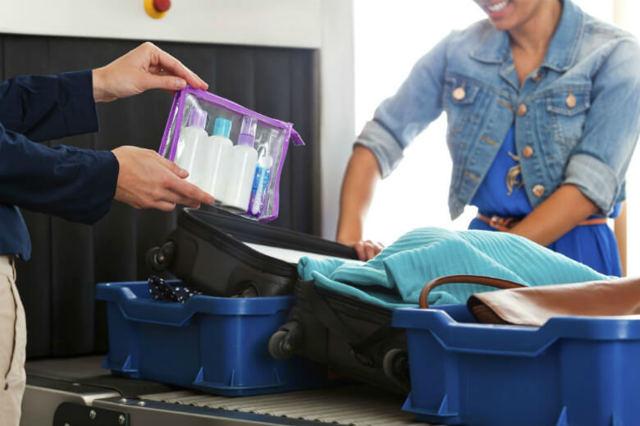 Как оплачивается багаж в самолете, если билет без багажа