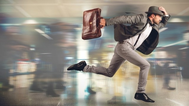 Опоздал на самолет, можно ли вернуть деньги